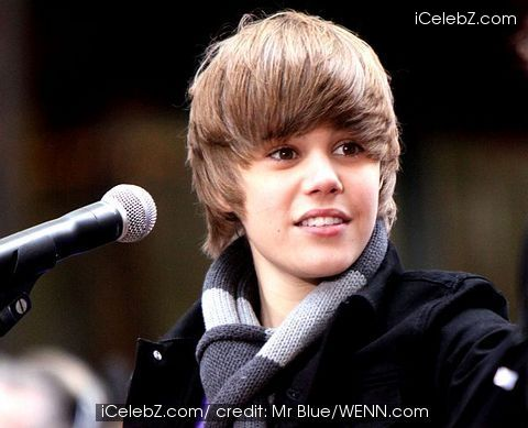 very cute justin bieber pictures. Stop smiling Bieber!